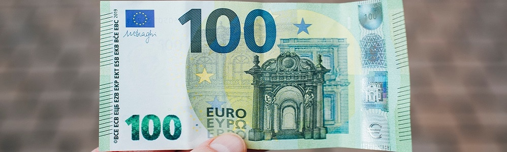 Banknote 100 Euro to represent automatic pre-payment